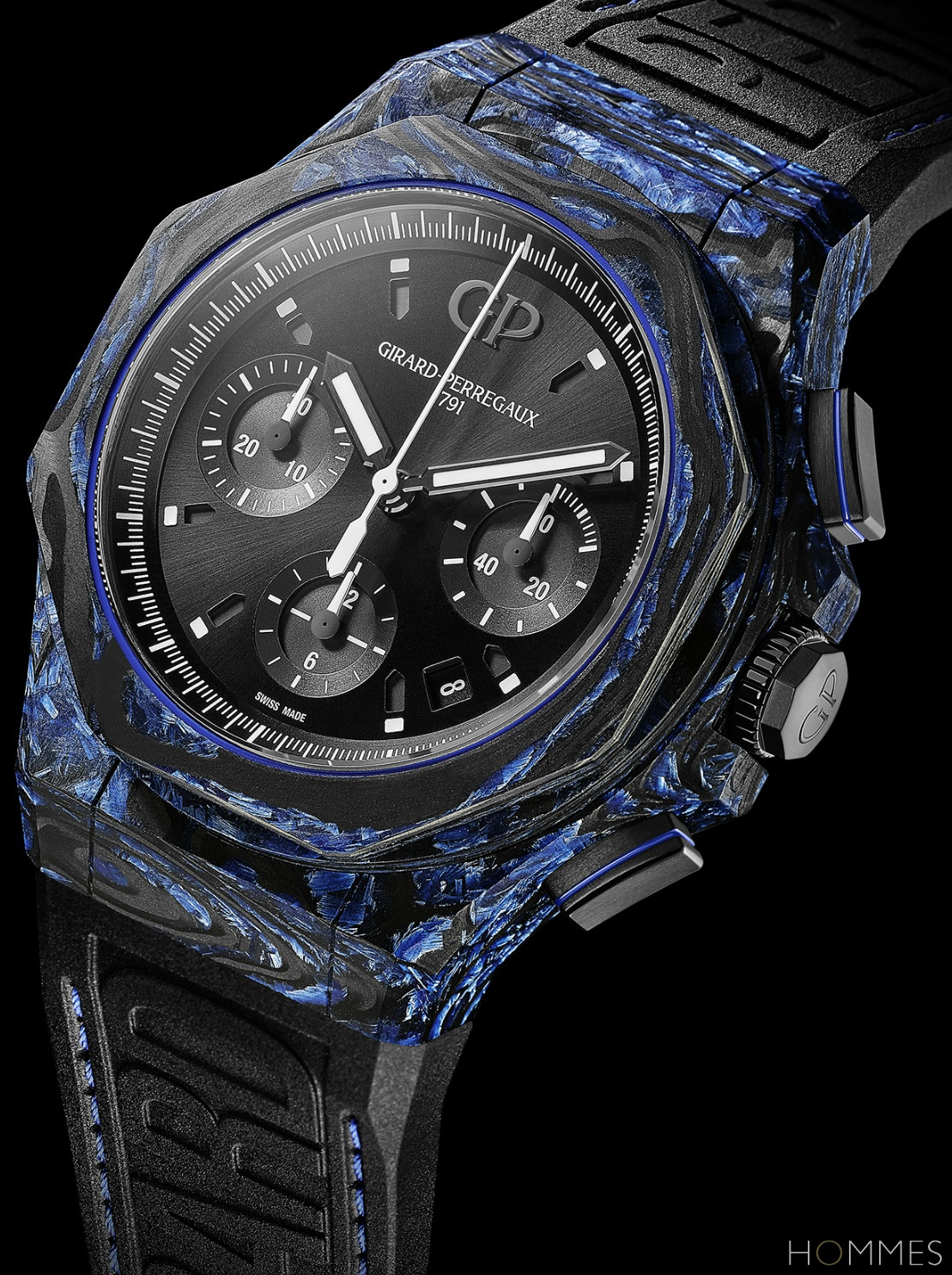 girard-perregaux_laureato_absolute_carbon_glass_pr.jpg